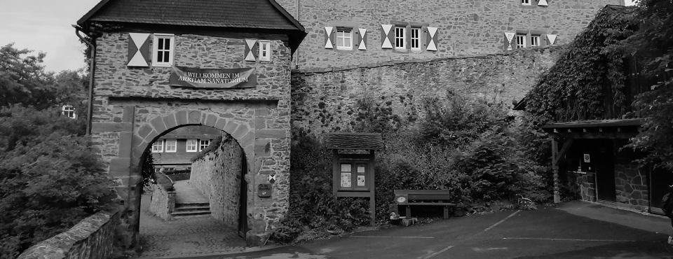 Eingangstor zur Burg Hessenstein
