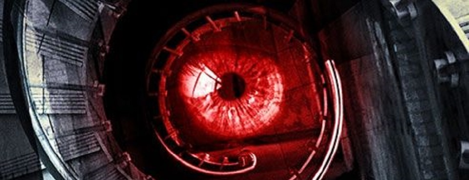 rotes Auge im Treppenhaus