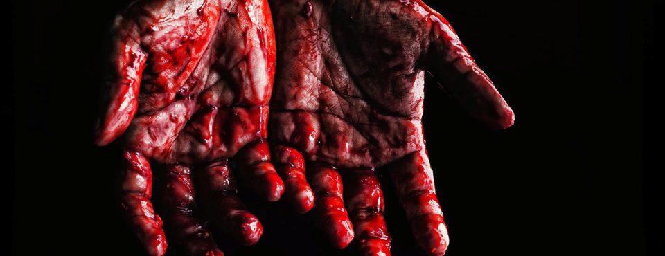 Blutige Hände.