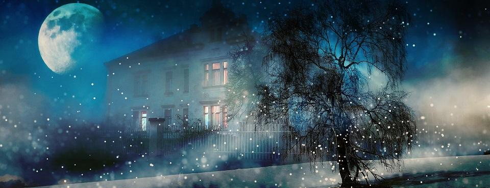 Haus in Winternacht
