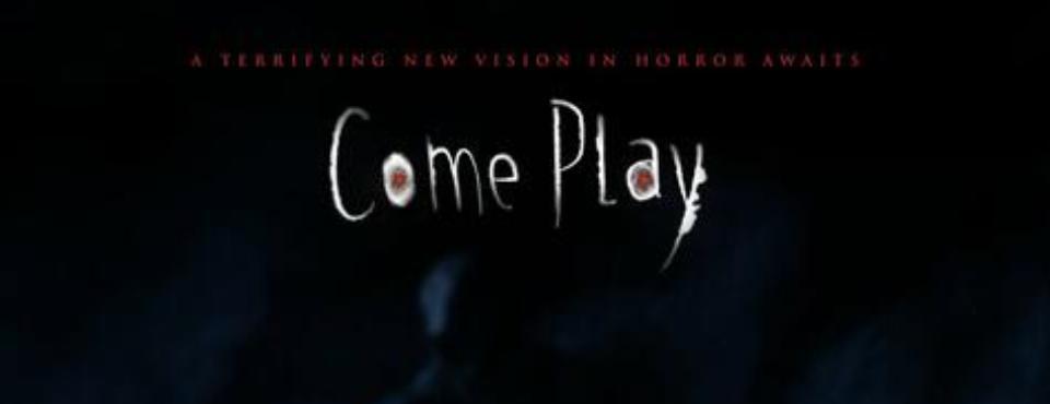 Come Play Schriftzug auf dunklem Hintergrund